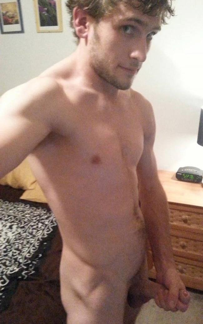 Nude Guy Taking Selfies