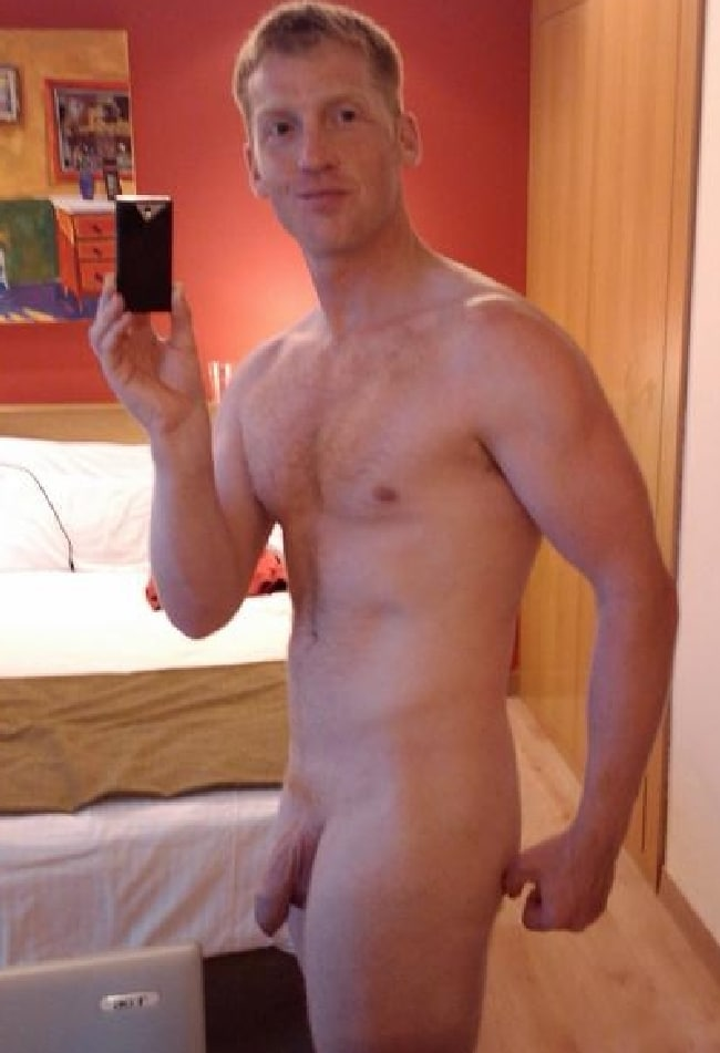 Cute Nude Beefy Man With Soft Cock - Nude Man Pictures
